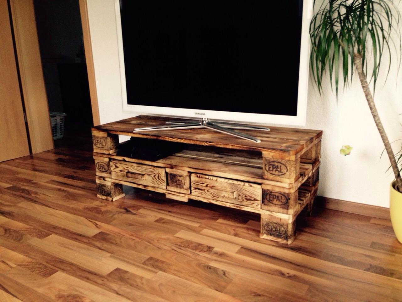 tv m bel malecon zubring palettenm bel. Black Bedroom Furniture Sets. Home Design Ideas