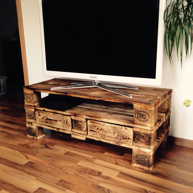 tv m bel malecon zubring palettenm bel. Black Bedroom Furniture Sets. Home Design Ideas